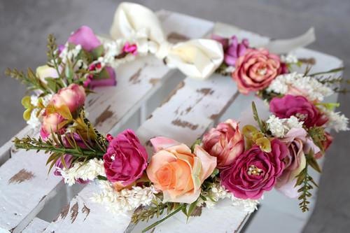 Schöne Sissi – Hochzeitsschmuck Blumenkranz