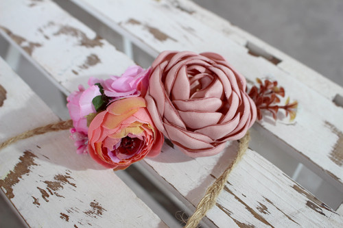 Rosen Rosa – Dutt mit Blumen